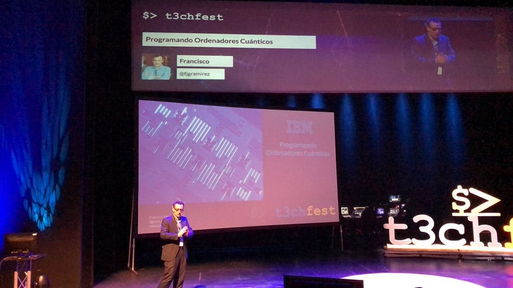 Charla sobre computación cuántica en T3chfest