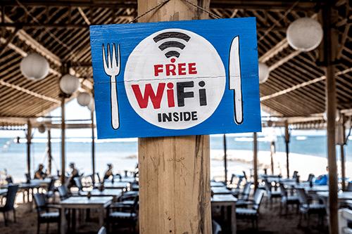 ciberseguridad red wifi pública vacaciones