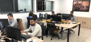 Algunos de los compañeros de Profile Sevilla trabajando en la oficina