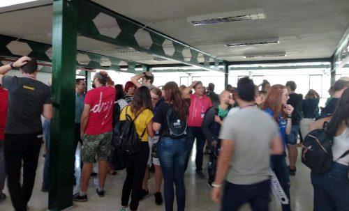 En los pasillos los asistentes de BAOS 2018 comentan las propuestas